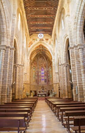 nave: CORDOBA, SPAIN - MAY 27, 2015: The gothic nave of medieval church Iglesia de San Lorenzo.
