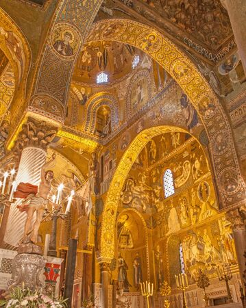 cappella: PALERMO, ITALY - APRIL 8, 2013: Mosaic of Cappella Palatina - Palatine Chapel in Norman palace in style of Byzantine architecture from years 1132 - 1170.