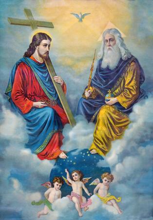 Sebechleby, ESLOVAQUIA - FEBRERO 27 de, 2016: Típica imagen católica de la Santa Trinidad impreso en Alemania desde el final de 19. ciento. originalmente diseñado por el pintor desconocido.