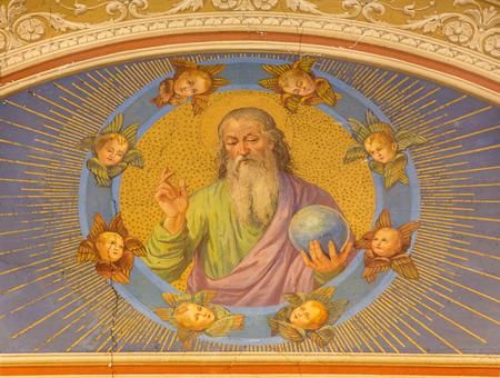 creator: ROMA, ITALIA - MARZO 12, 2016: El fresco Dios creador del artista desconocido desde finales de 19. ciento. en la iglesia Iglesia de Nuestra Se�ora del Sagrado Coraz�n.