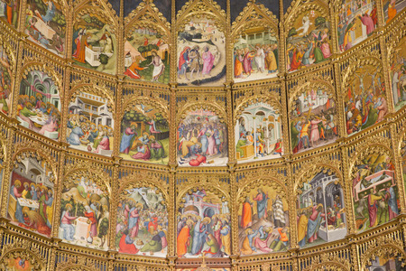 vieja: SALAMANCA, SPAIN, APRIL - 16, 2016: The detail of gothic main altar of Old Cathedral (Catedral Vieja) by Dello and Nicolas Delli (1430-1450).