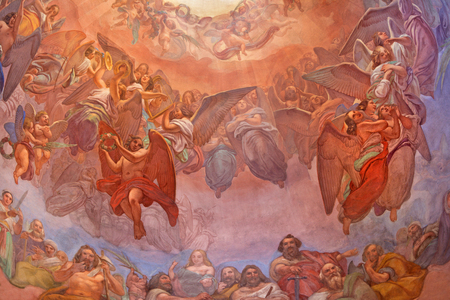 CREMONA, ITALY - MAY 24, 2016: The choirs of angels fresco as the detail of cupola in church Chiesa di Santa Agata by Giovanni Bergamaschi from end of 19. cent. 에디토리얼