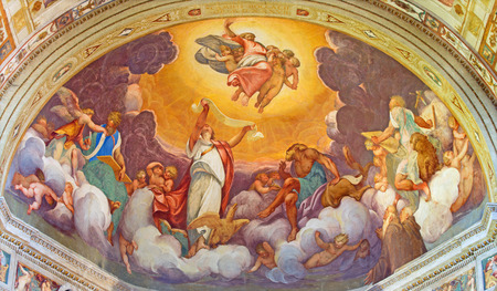chiesa: CREMONA, ITALY - MAY 24, 2016: The Ascension of the Lord fresco in main apse of Chiesa di San Sigismondo by Camillo Boccaccino (1505 - 1546)