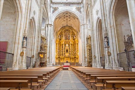 convento: SALAMANCA, SPAIN, APRIL - 16, 2016: The nave of monastery Convento de San Esteban. Editorial