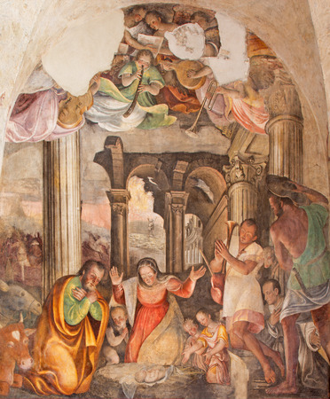 cristo: BRESCIA, ITALY - MAY 21, 2016: The Nativity fresco by Lattanzio Gambara ( 1530 - 1574) in church Chiesa del Santissimo Corpo di Cristo.