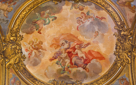 chiesa: ROME, ITALY - MARCH 9, 2016: The fresco Glory of angels in church Chiesa di San Silvestro in Capite by Lucovico Gimignani (1688 - 1690).