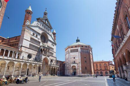CREMONA, 이탈리아 -2011 년 5 월 24 일 : 성당 축복받은 성모 마리아의 가정.