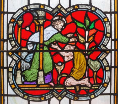 Londres, Grande-Bretagne - 14 septembre 2017: la parabole de fils prodigue sur le vitrail de l'église Saint Michael Cornhill par Clayton et Bell à partir de 19. cent.