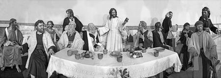 ZARAGOZA, SPAIN - MARCH 1, 2018:  The sculptural group of Last Supper in church Iglesia del Perpetuo Socorro by José Antonio Navarro Arteaga from 20. cent. Redactioneel