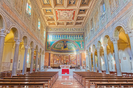 ROME, ITALY - MARCH 10, 2016: The nave of church Basilica di Santa Maria in Dominica with the mosaic of Madonna among the angels in byzantine style in main apse from the 9. cent. 報道画像