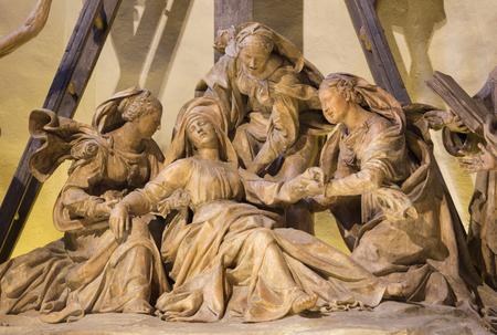 REGGIO EMILIA, ITALY - APRIL 14, 2018: The detail from sculptural group The Deposition (Pieta) of the cross in church chiesa di San Francesco by Antonio Begarelli (1499-1565). Editoriali