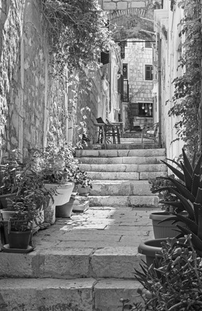 Korcula - The one ailse of the old town. Imagens