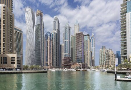 Dubai - The skyscrapers of Marina and the yachts Imagens