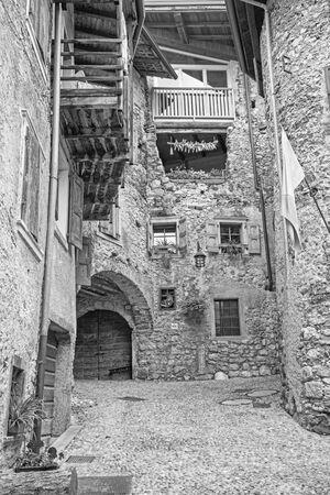 Canale di Teno - The ailsle in the little rural mountain village near Lago di Teno lake. Foto de archivo