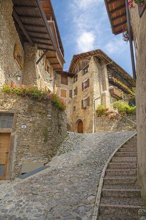 Canale di Teno - The ailsle in the little rural mountain village near Lago di Teno lake. Stockfoto - 150296850