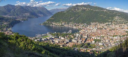 Como - The city among the mountains and lake Como. Stockfoto - 150296540
