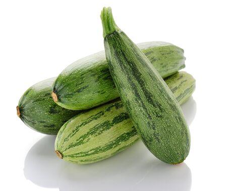 Zwei frische Zucchini, isoliert  Standard-Bild - 7624043
