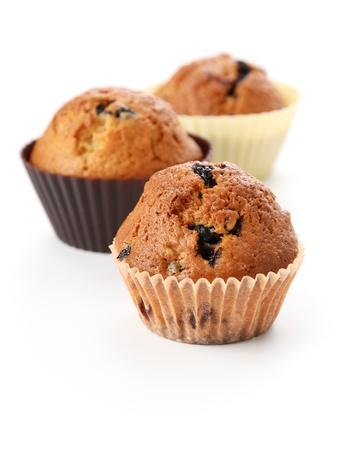 Baum hausgemachte Cupcakes mit Heidelbeeren. Isoliert auf weiss. Standard-Bild - 8393491