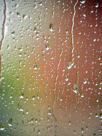 glasscheibe: Regen auf einer Fensterscheibe Lizenzfreie Bilder