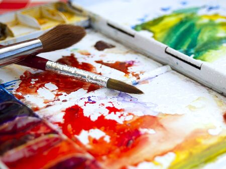 pallette: Colorful bien utilisé artistes aquarelle paintbox palette