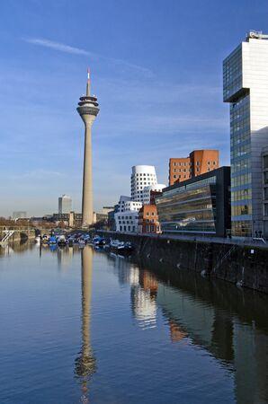 windowpanes: Medienhafen Duesseldorf - Handelshafen