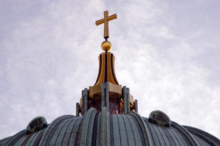 double cross: Berlino Duomo con doppia croce