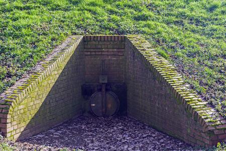 sluice: Erft in Neuss, shore area, dam sluice at the Erft