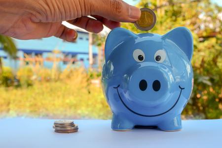 piggy save money Banco de Imagens - 120740905