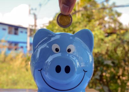 piggy save money Banco de Imagens - 120740906