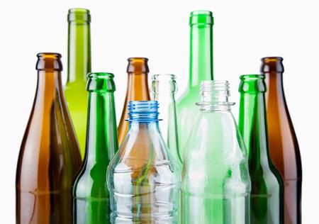 botellas vacias: botellas de vidrio vacías