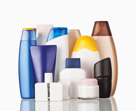Set bunte Toilettenartikel kosmetische Kunststoff-Flaschen