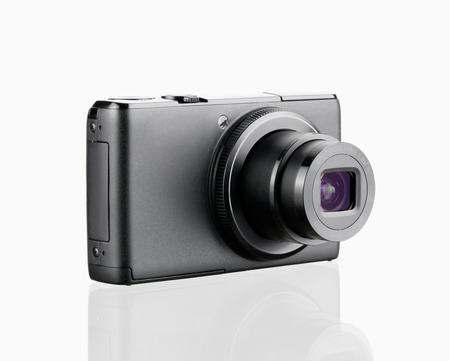 Digitale Kamera auf weißen Hintergrund isoliert