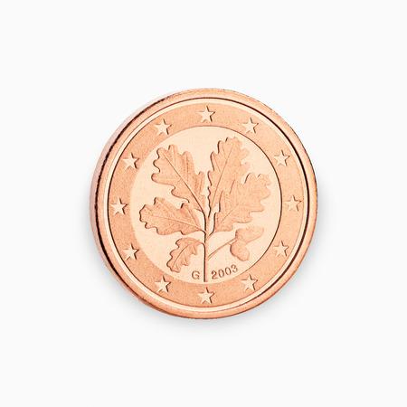 einer Euro-Münze Cent isoliert auf weißem Hintergrund