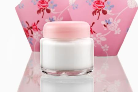 Skin Lotion Creme isoliert auf weißem Hintergrund Lizenzfreie Bilder