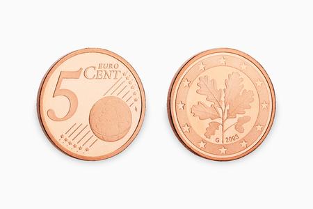 5 ? Münze Cent isoliert auf weißem Hintergrund
