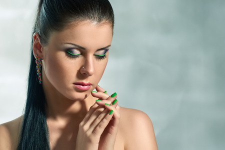 maquillage: Brunette girl with evening make-up Stock Photo