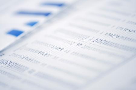Business-Konzept - Business Graph in Zeitungspapier. Standard-Bild - 10894693
