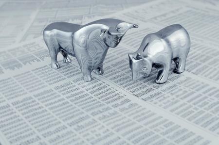 toros bravos: Concepto de negocio - toro y el oso, animales simbólicos de la tendencia del mercado. Foto de archivo