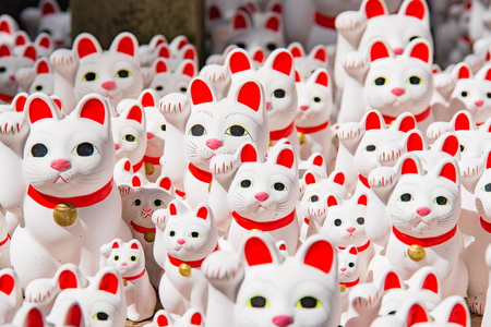 maneki: Maneki neko also known as chinese fortune cat Stock Photo