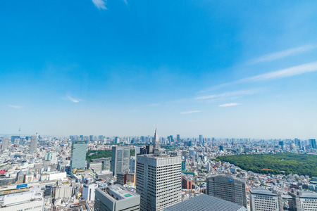 TOKYO, JAPAN-JUNE 18, 2016: Aerial view of the Japanese capital city seen from the Metropolitan Government Building (Tokyo City Hall) 新闻类图片