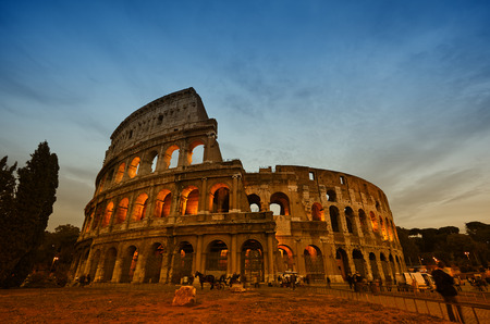 Colosseum in Rome, Italy during sunset Standard-Bild