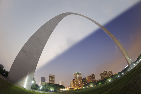 St Louis Gateway Arch sunset to twilight transition in fisheye view Stock Photo