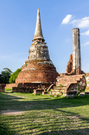 architecture ancient: Asian religious architecture. Ancient stupa at Wat Phra Sri Sanpet at Ayutthaya
