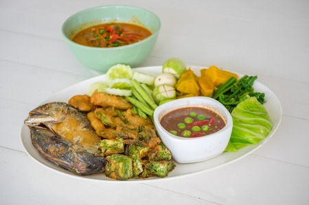 Shrimp paste and curry  with fried mackerel and vegetable