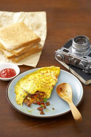 omlet: japanese omelet in ceramic dish Stock Photo
