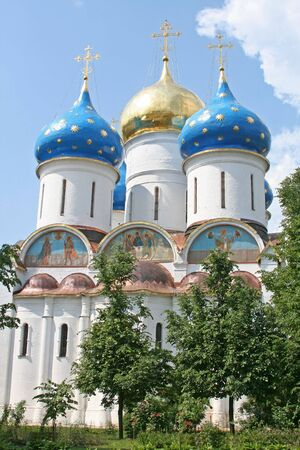 build in: A Russian ortodox church at the Trinity-Sergius Lavra (build in 1585). Sergiev Posad, Moscow district, Russia. (Dormition Cathedral)