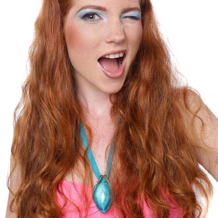 Beauty Girl Portrait mit buntem Make-up, Nagellack und Zubehör. Studioaufnahme der lustigen Frau. Lebendige Farben. Bunte Maniküre. Schöne Frau. Bilden