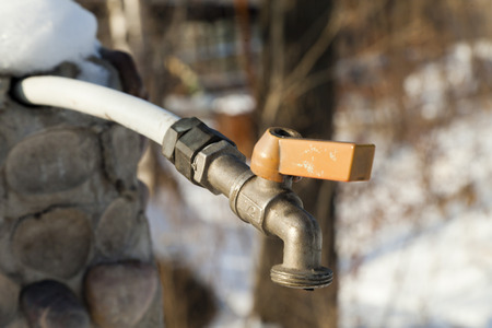 froze: The water tap doesnt work in the winter, in it water froze