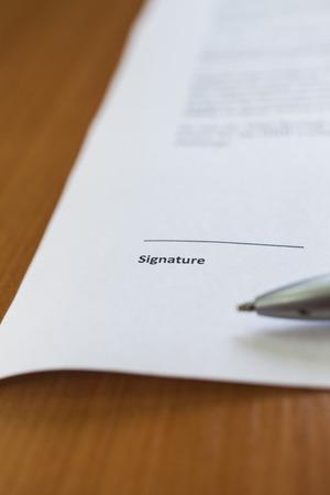 testament schreiben: Der Platz für die Unterschrift auf dem wichtigen Dokument