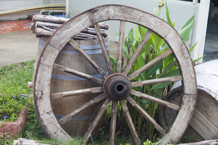 The old cart wheel any more will never go